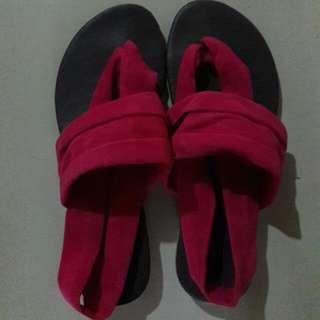 Flat Sandal Size 5