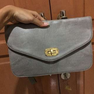 Unbranded Clutch