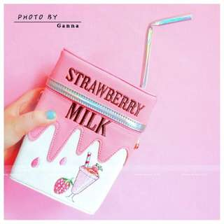 草莓牛奶 個性吸管牛奶盒造型鍊條包 單肩包/*預購*/7-12天