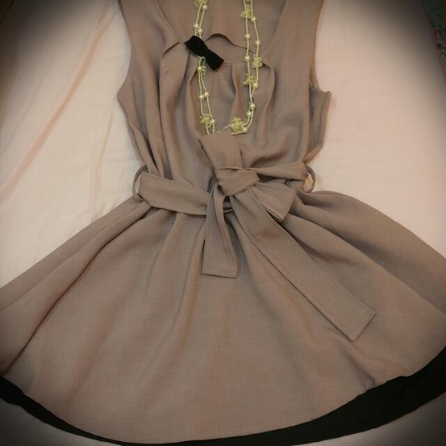 紫色小洋裝