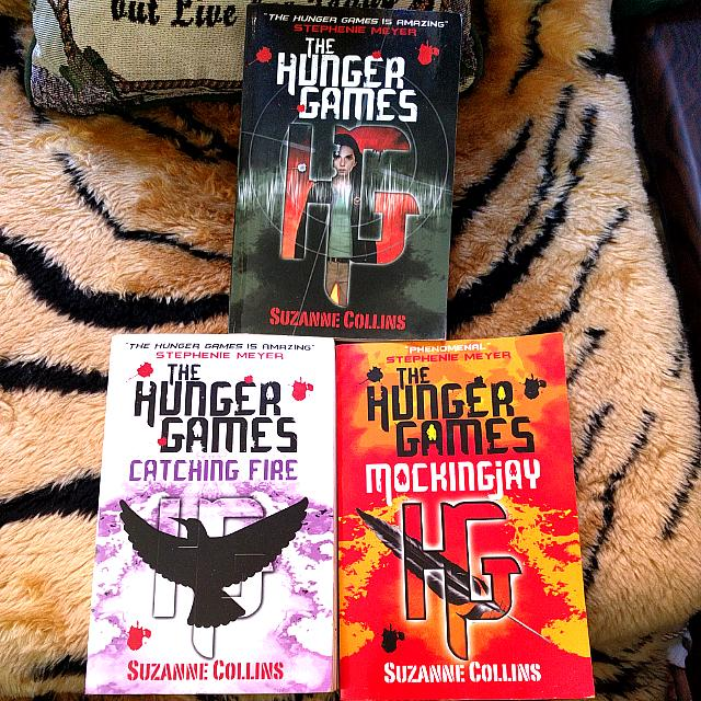 📚 Entire Hunger Games Series