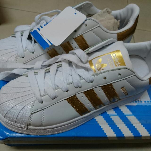 Adidas Superstars 含運(價錢可議)