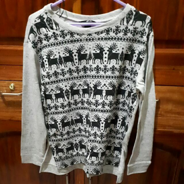 AUTHENTIC H&M Grey Christmas Sweater Size Small