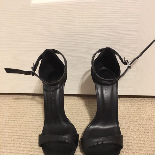 Black Strappy Heels SIZE 5.5