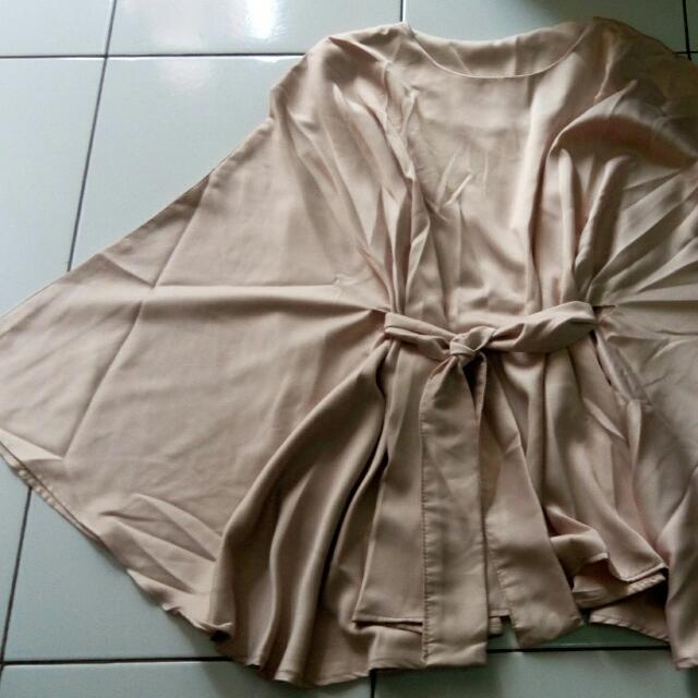 blouse batwing kilap