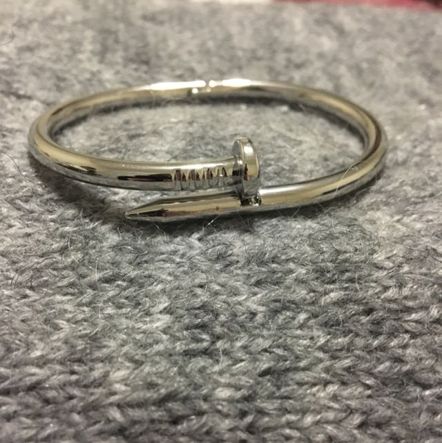 Fake cartier bangle