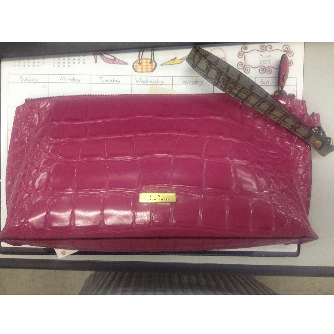 Fino Wristlet bag leather wallet