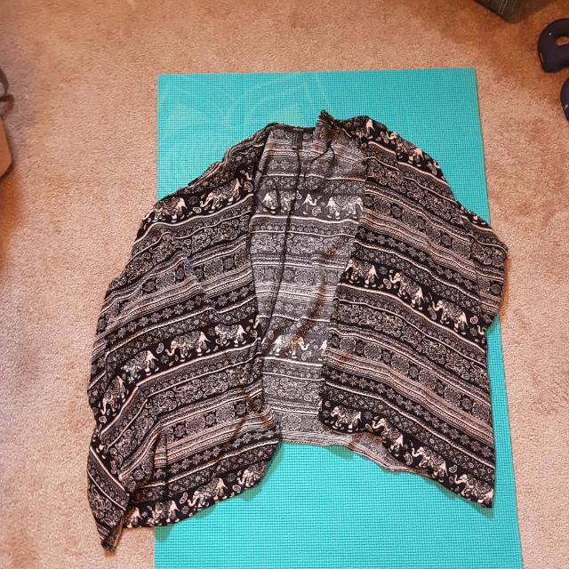 Forever 21 Elephant Print Shal. Size S