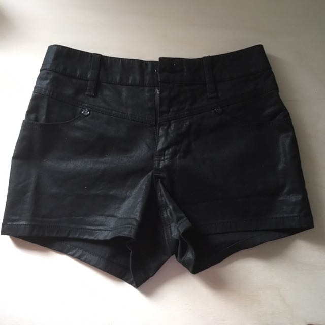Guess shorts Size Small