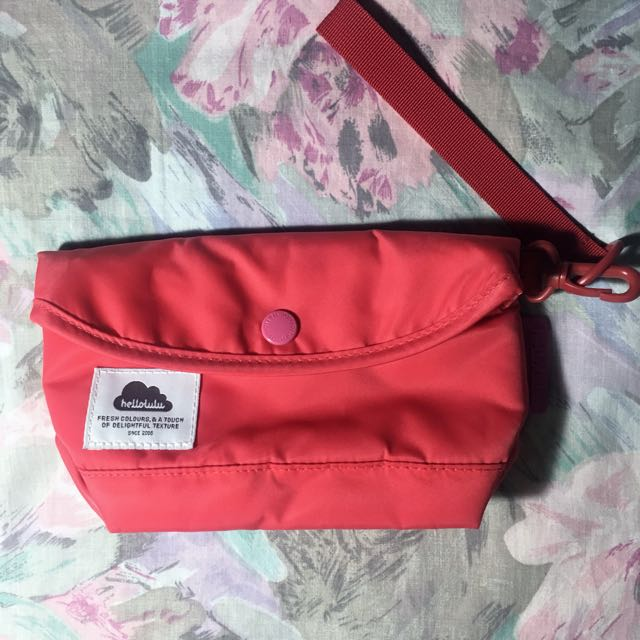 Hellolulu Compact Multipurpose Pouch