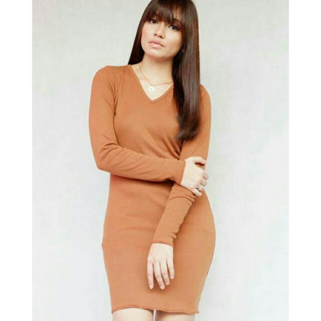 Long sleeveed V-Neck Dress