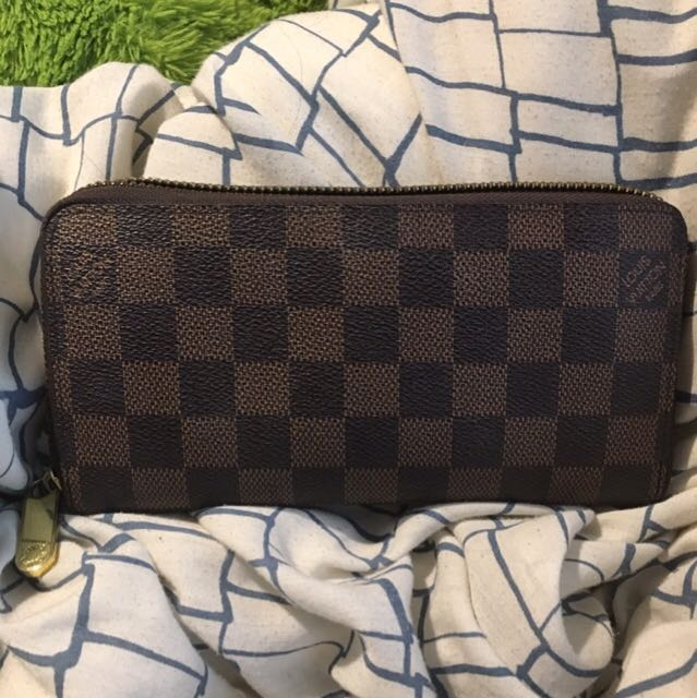 Louis Vuitton Inspired Wallet