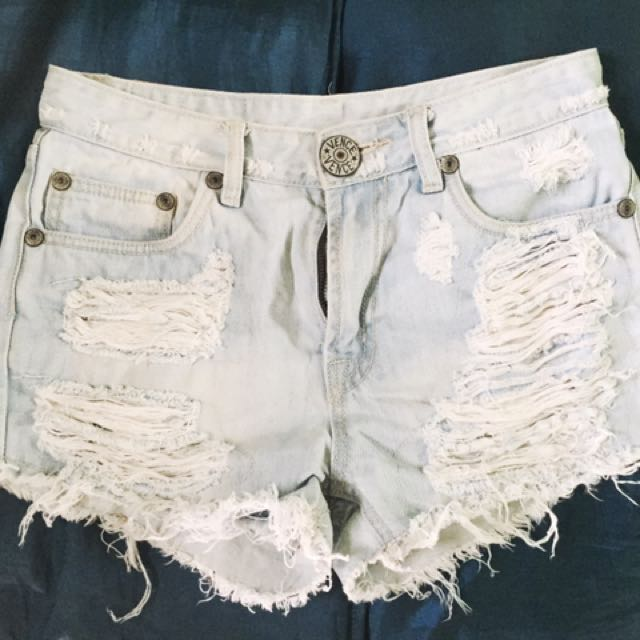 Maong short (White)