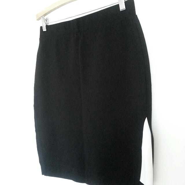 Max Black Tight Knee Length Skirt With White Trim