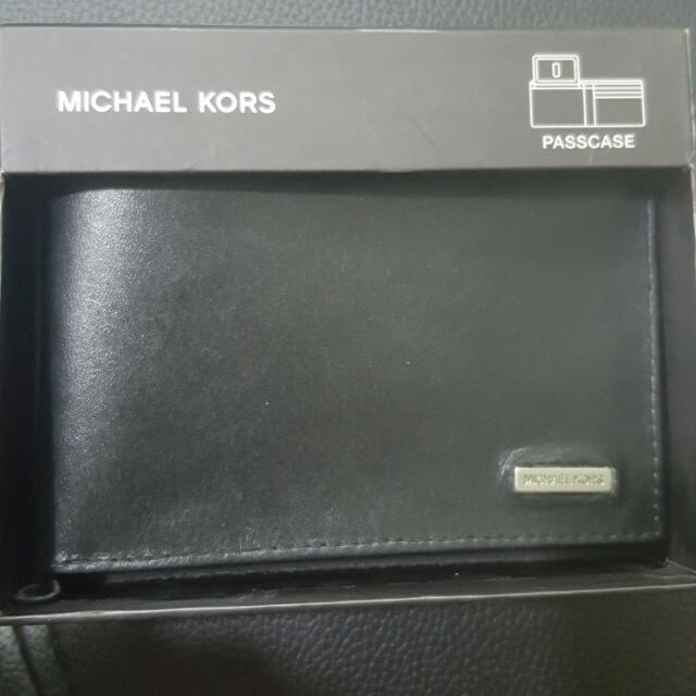 f081e5fcaad0fe Michael Kors Bifold Mens Leather Wallet Passcase 2930325 Black, Men's  Fashion, Bags & Wallets on Carousell