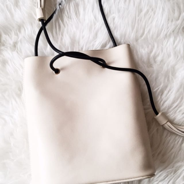 Nasty Gal White Bucket Bag