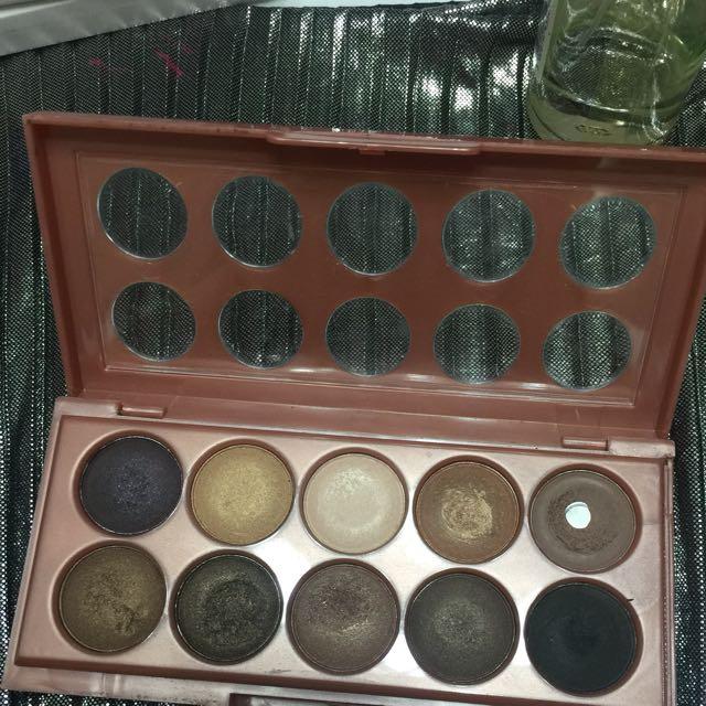 NYX (dreamy catcher palette) Eyeshadow