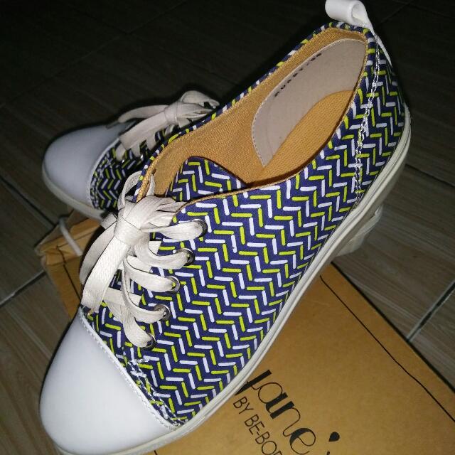 Sepatu Amanda Janes