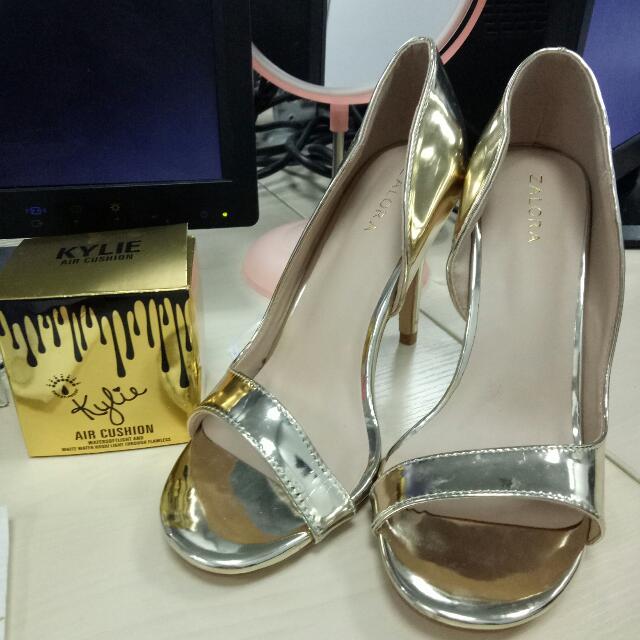 Size 9 Gold Zalora Heels
