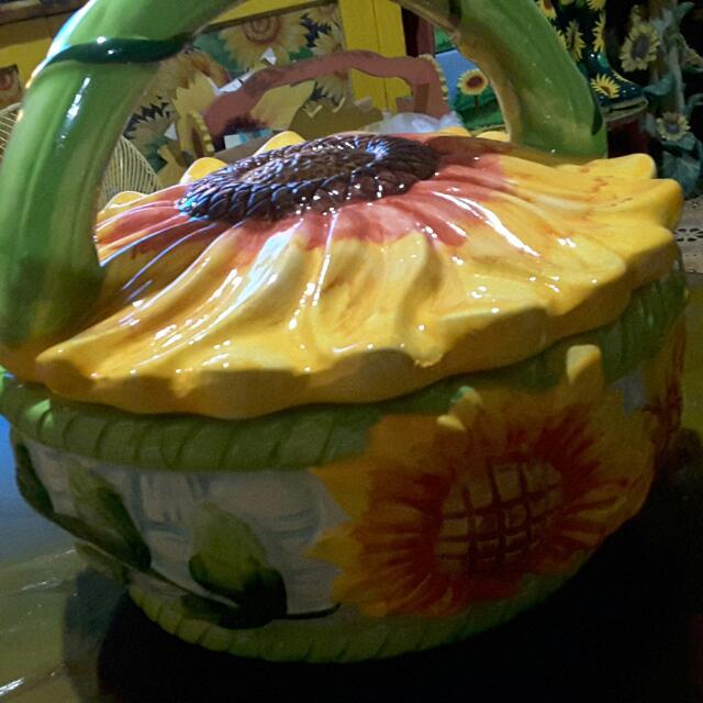 Sunflower Cookie Jar /basket