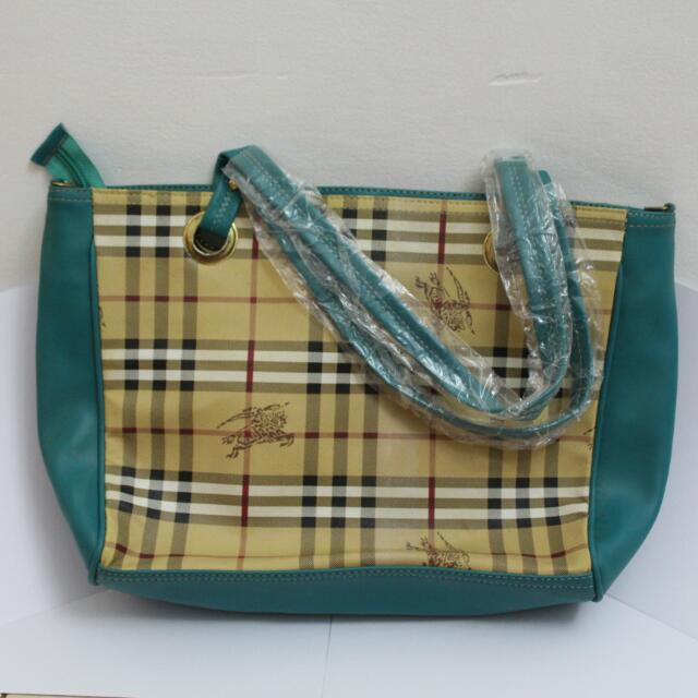"Tosca Burberry ""look a like"" Bag"