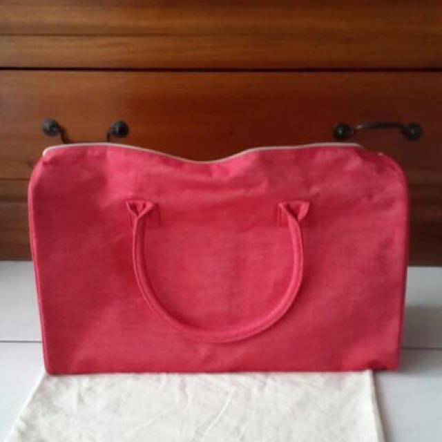 Traveling bag from Clarin