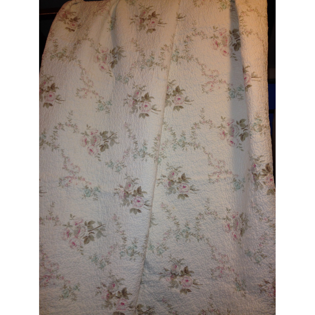 "Wayfair ""Victorian Vintage"" Coverlet set (Queen/Full)"