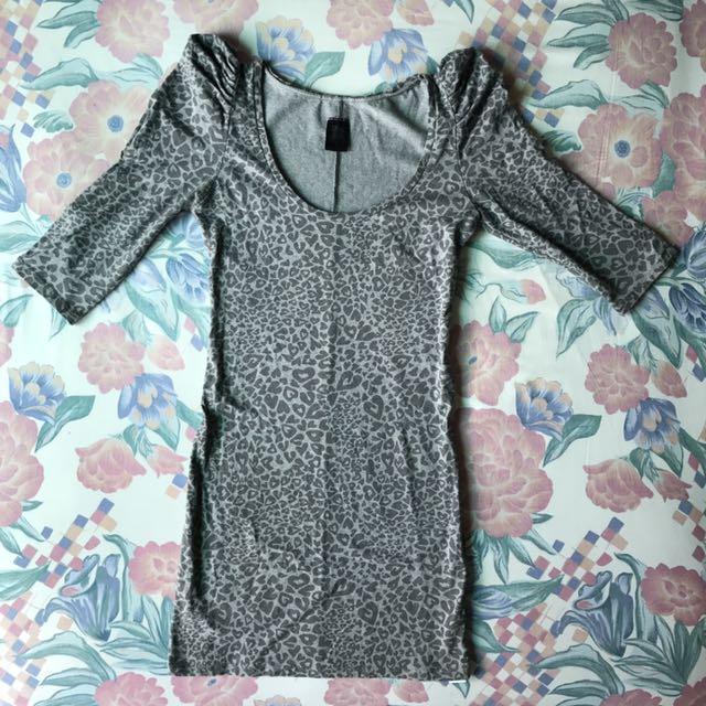 [TURUN HARGA!] Zara Trafaluc Grey Dress Pattern