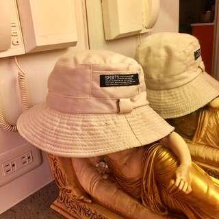 兩面漁夫帽。