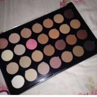 BH Cosmetics 28 Colour Eyeshadow Pallet