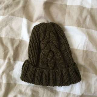 Basic Olive Green Knitted Beanie