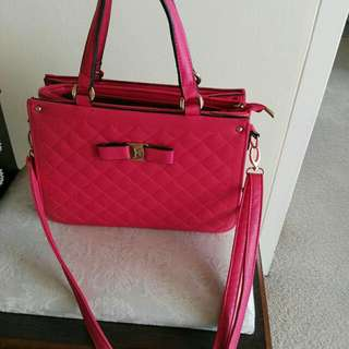 Awesome Handbag, Used But Still In Good Condition Only A Yr Old.