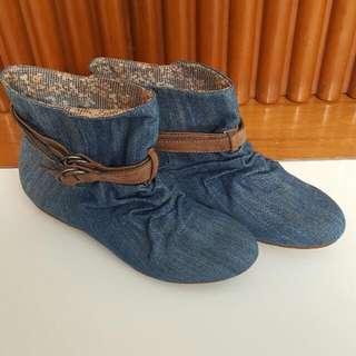 Zara Boots Jeans Color