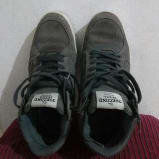 Sepatu 3 Second