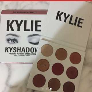 Kylie Burgundy Pallet