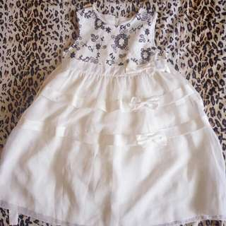 白色紗裙洋裝