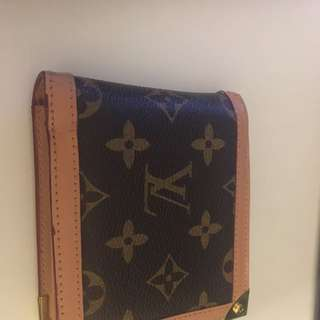 Loui Vuitton wallet