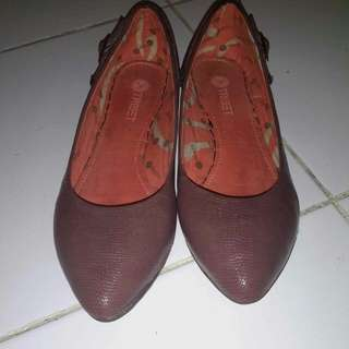 REPRICE: Sepatu Triset Coklat