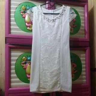 Dresss Putih