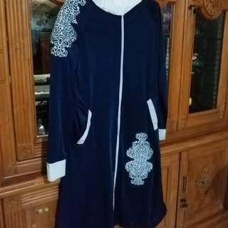 Navy tunic with white cullot