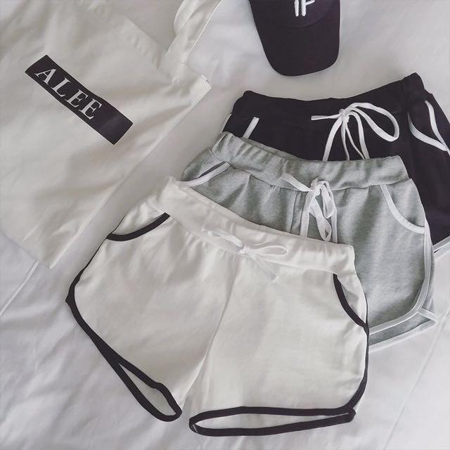 韓國運動休閒條紋純色短褲