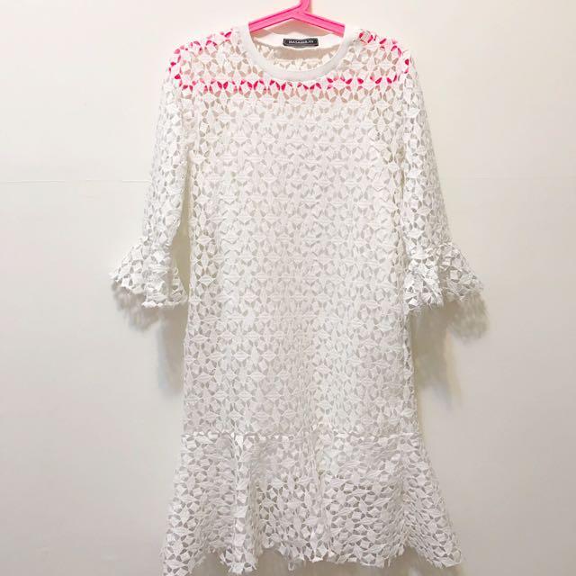 白色鏤空小魚尾洋裝