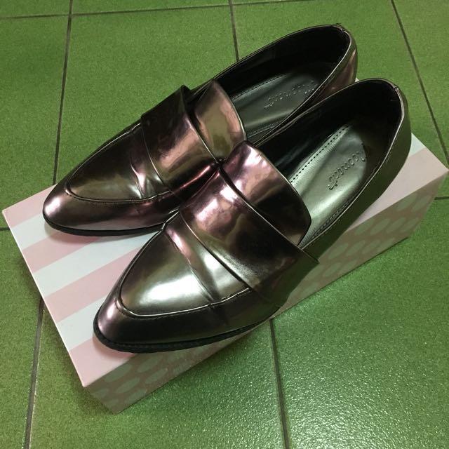 韓版時尚尖頭低跟鞋