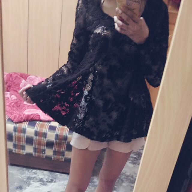 黑色長袖簍空緹花傘洋
