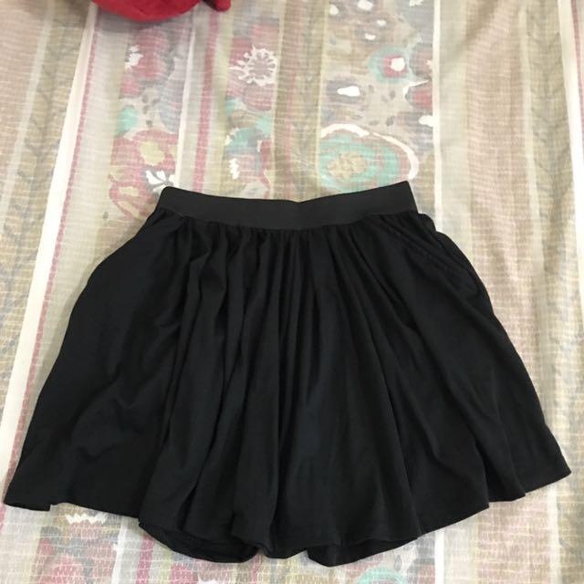 百搭輕鬆口袋黑褲裙