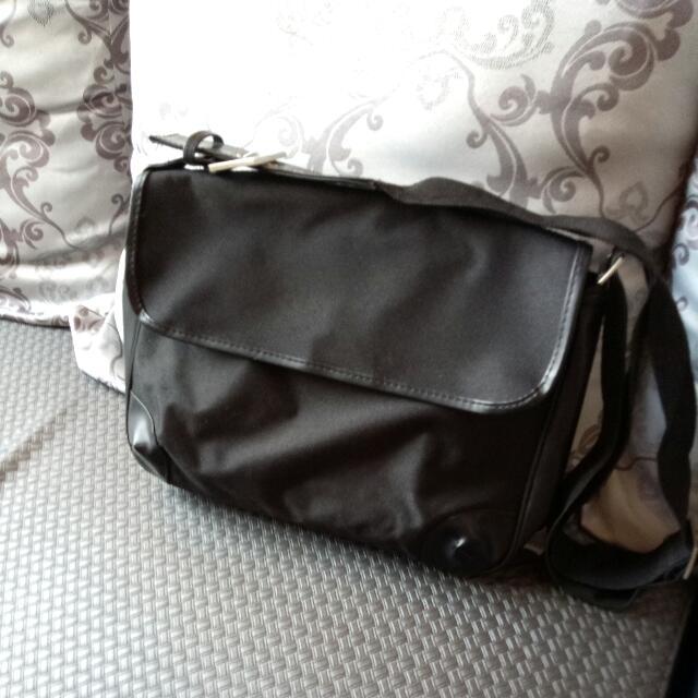 全新 帆布包 + 手拿包 💼