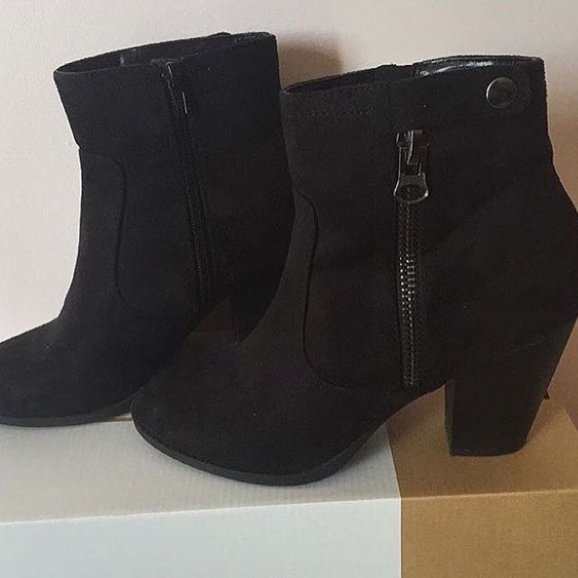 Ankle Boots Size 9 $10