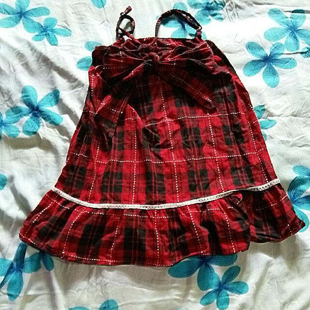 Baju Merah Pita