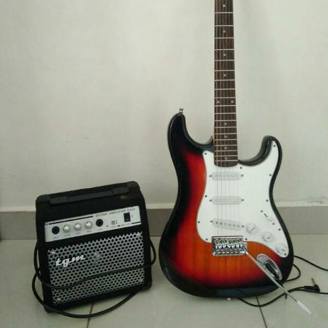 Electric Guitar Techno With Amp For Sale, Music & Media, Music Instruments on Carousell