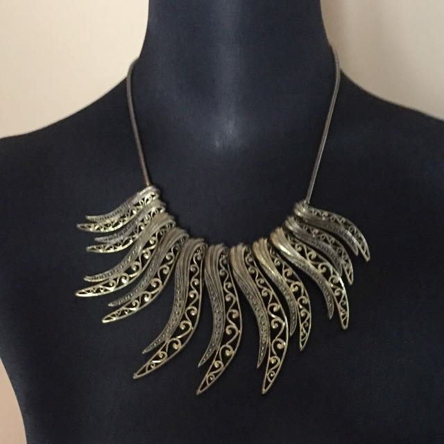 Forever 21 Fashion Necklace